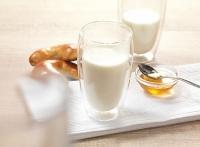 Horké mléko a mléčná pěna